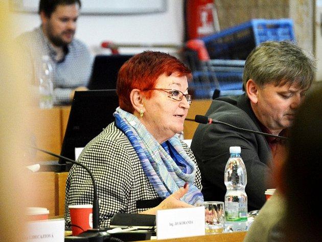 Mostecká opozice rozpočet nepodpořila, na snímku zastupitelka Hana Jeníčková ze Sdružení Mostečané Mostu.