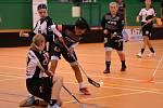 Zápas mezi juniorkami Litvínova (ve tmavém) a Panthers Praha.