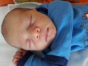 Tomáš Burget se narodil 23. února 2018 ve 13.20 hodin mamince Denise Burgetové z Mostu. Měřil 50 cm a vážil 2,95 kilogramu.