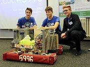 Při Studentské vědecké konferenci v litvínovském Chemparku předvedli studenti gymnázia PORG robota, se kterým se představili při soutěži v USA.