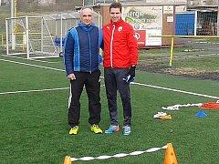 Fotbalista Jan Kovařík se svým otcem na umělce v Litvínově.
