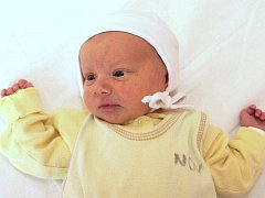 Mamince Monice Koubové z Mostu se 4. prosince v 16.36 hodin narodil syn Jan Kouba.  Měřil 47 cm a vážil 2,6 kilogramu.