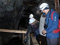 První návštěvníci si po desetiletích mohli prohlédnout novou turistickou atrakci, tajemnou Mikulášskou štolu v Hoře Svaté Kateřiny.