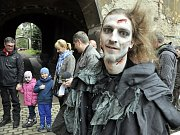 Návštěvnická sezona na Jezeří skončila tradiční akcí s oživlými strašidly.