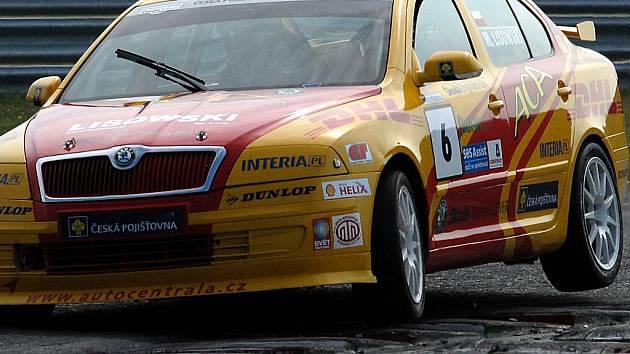 Škoda Octavia Cup na mosteckém autodromu.