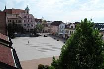Na litvínovské náměstí se nyní řidiči dostanou směrem z Kostelní ulice.