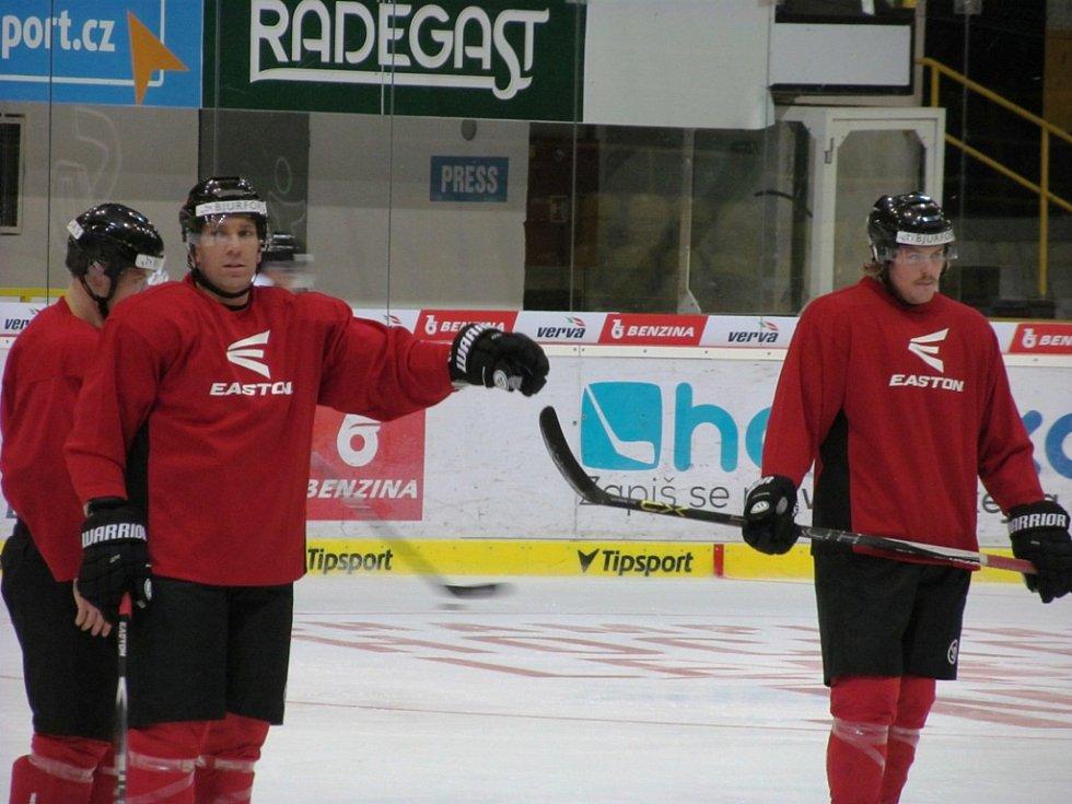 Hokejisté švédské Frölundy hned po příjezdu do Litvínova trénovali.