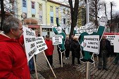 Protest hornických odborářů. Chtějí zrušit limity těžby, aby lidé nepřicházeli o práci.