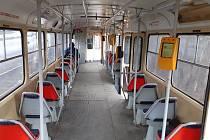 Tramvaj na trati mezi Mostem a Litvínovem