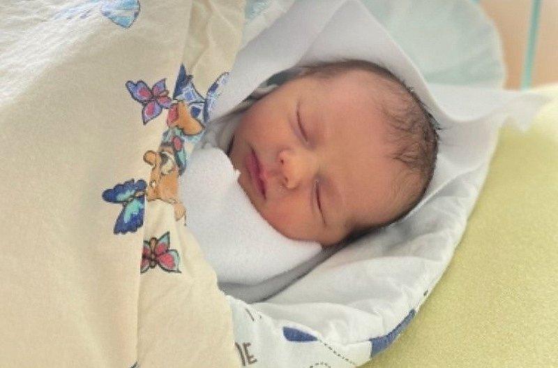 Leontýnka Mrkvanová se narodila 12. února 2021 v 9.55 hodin mamince Alině Mrkvanové. Měřila 49 cm a vážila 3.13 kg.