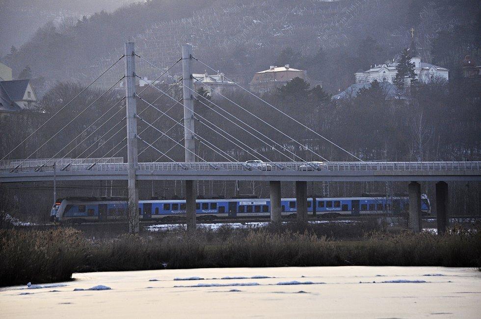 Silniční most přes řeku Bílinu v Mostě a dopravní koridor s železnicí byl nominován do celostátní soutěže Mostní dílo roku v kategorii novostavba