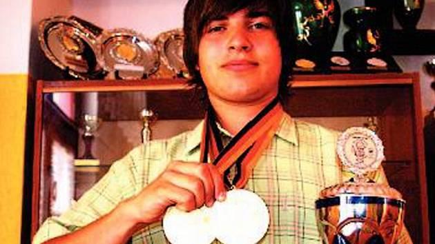 MISTR SVĚTA. Jan Weitz si přivezl z juniorského mistrovství světa v rybolovné technice hned dvě zlaté medaile