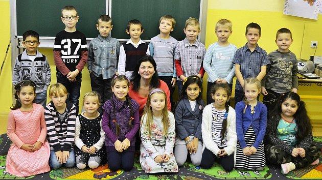 Žáci 1.B Základní školy Litvínov–Hamr střídní učitelkou Michaelou Prchalovou.