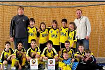 Mladí fotbalisté FŠ Most vyhráli v halovém velikonočním turnaji ve velebudické sportovní hale.