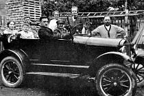 Máte nějaké historické snímky z Mostecka s automobily či motocykly? Mohou se stát součástí výstavy tamního muzea