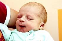 Mamince Michale Stříbrné z Mostu se 18. srpna v 19.13 hodin narodil v chomutovské nemocnici syn Vojtěch Stříbrný. Měřil 54 centimetrů a vážil 3,6 kilogramu.