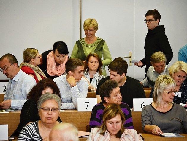 Setkání okrskových volebních komisí na radnici v Mostě