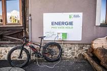 Podívejte se na přehled dobíječek elektrokol v Krušných horách.