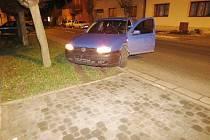 Auto našli policisté odstavené v ulici Hořanská cesta. Ilustrační foto.