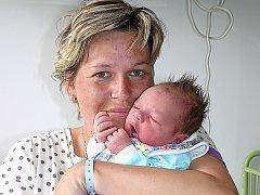 Mamince Růženě Weitzové z Obrnic se 28. května v 1.25 hodin narodil syn Dominik Weitz. Měřil 53 centimetrů a vážil 3,78 kilogramu.