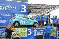 Sdružení Mostečané Mostu tentokrát losování o auta a další dary k vítězství nepomohlo.