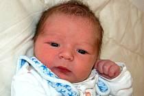 Mamince Pavlíně Iserové z Mostu se 17. října ve 23.55 hodin narodil syn Matyáš Iser. Měřil 51 centimetrů a vážil 3,46 kilogramu.