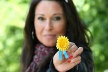 Šířit osvětu a získávat peníze na boj s rakovinou pomáhá i každoroční sbírka Český den proti rakovině.