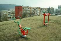 V Obrnicích u Mostu má exekuci každý druhý práceschopný obyvatel. Obec patří mezi sociálně vyloučené lokality.