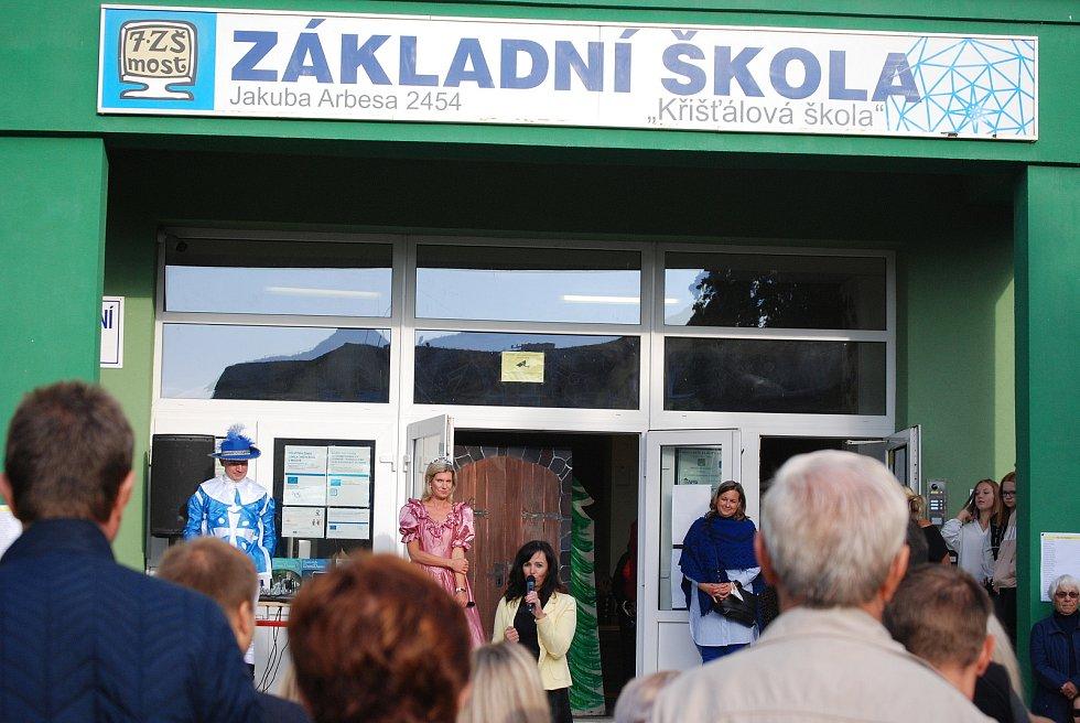 První školní den na 7. ZŠ v Mostě.
