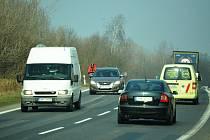 Rozšíření silnice se neplánuje.