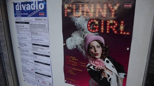 Slavné melodie i nezapomenutelná taneční čísla v americkém muzikálu, jenž vypráví o světlé i stinné stránce lásky a slávy. Taková je Funny Girl. Premiéra v Městském divadle v Mostě je 20. prosince.