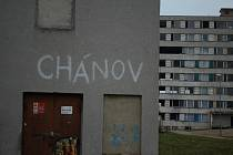 Agentura pro sociální začleňování ukončila spolupráci s městem kvůli výstavbě modulových bytů v sídlišti Chanov.