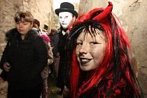 Oživlá strašidla na zámku Jezeří v roce 2009