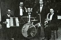 Obci Havraň je 735 let. Má pestrou historii, měla i svůj Jazz Band.