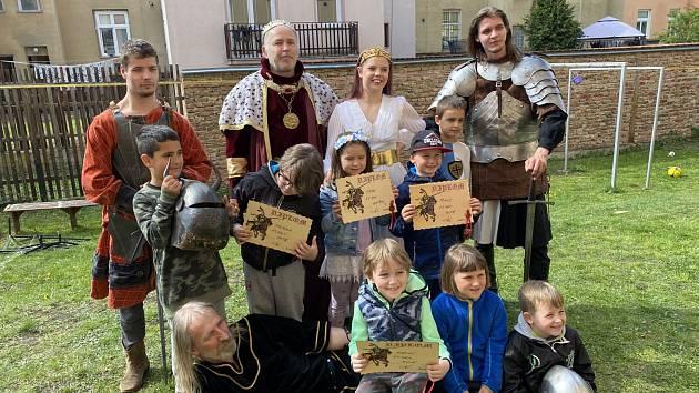 Šermíři z Lammeru slavili s dětmi narozeniny.