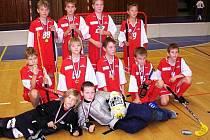 Nejmladší hráči FbC Vipers Most se zlatými medailemi po turnaji v Lounech.