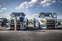 Úspěšný závodní tým Buggyra se bude fanouškům prezentovat na mosteckém autodromu.