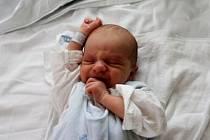 Mamince Romaně Švarcové z Mostu se 21. října v 08.38 narodil syn David Švarc. Měřil 52 cm a vážil 3,23 kg.