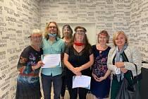 Pracovnice Městské knihovny v Mostě absolvovaly kurz základů znakového jazyka.