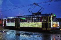 Vánoční tramvaj jezdila v Mostě až do Tří králů. Ilustrační foto