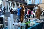 Velký dav s maškarami prošel v sobotu odpoledne mosteckým Vtelnem při tradiční oslavě masopustu.