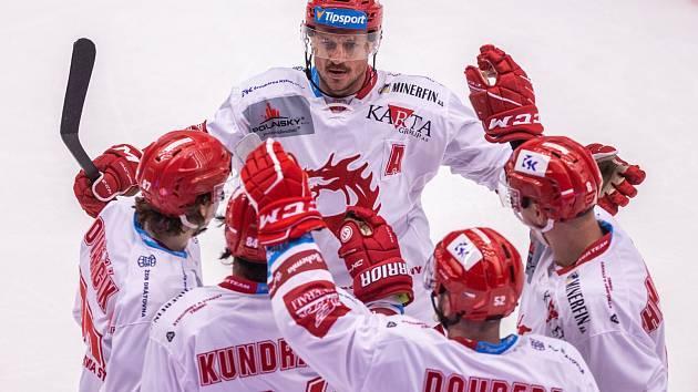 Radost třineckých hokejistů, kteří dvěma góly přetlačili hosty z Litvínova.