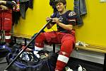 Jiří Mádl hraje hokejovou hvězdu NHL. Herec je i v reálu velice dobrým hokejistou.
