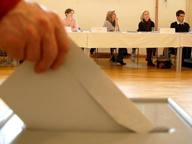 Volby v Obrnicích.