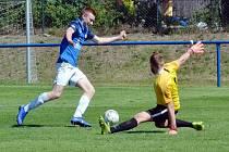 První přípravný zápas FK Baník Most-Souš (v modrém) proti Ostrovu nad Ohří.