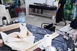 Na Benediktu v Mostě vrcholí malířské sympozium, kterého se účastní osm mladých umělců.