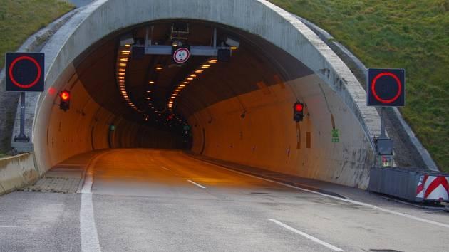 Tunel Panenská na Ústecku.