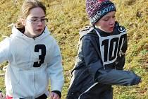 U jezera Benedikt v Mostě se pravidelně koná tradiční Silvestrovský běh. V pátek 17. dubna tam bude  Jarní běh pro kuře.