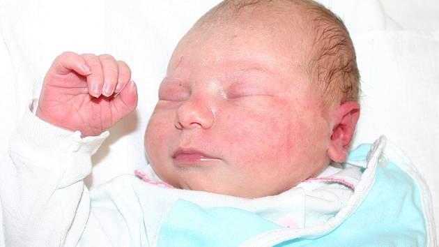 Mamince Andree Pravečkové z Mostu se 18. června ve 13:40 hodin narodila dcera Andrea Schichorová. Vážila 3,75 kilogramu a měřila 53 centimetrů.