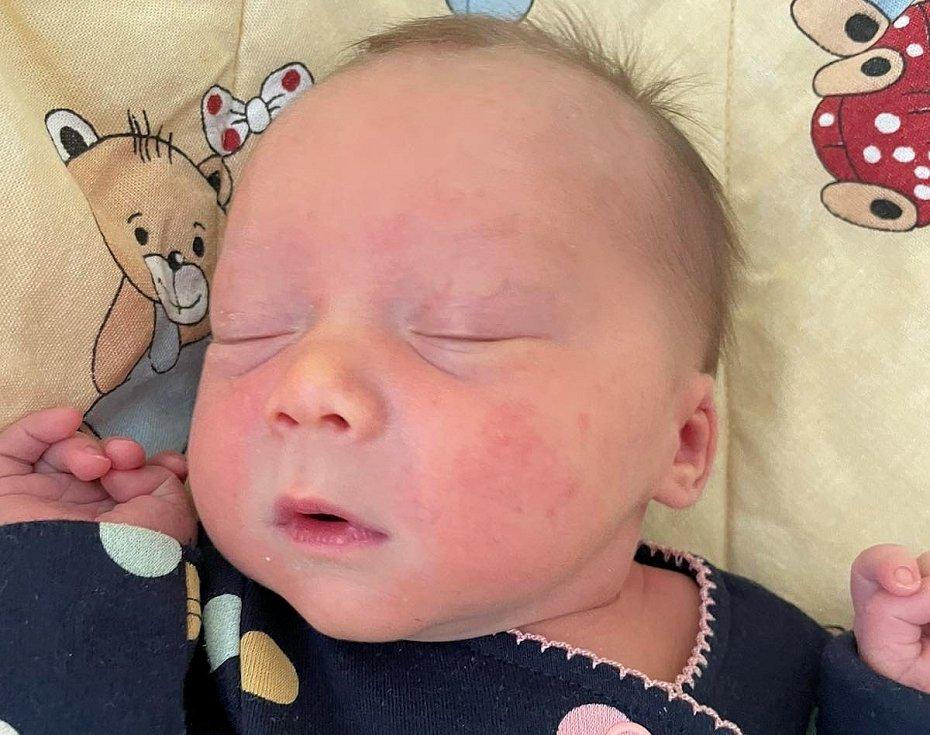 Karin Barnašová se narodila 29. května v 18.00 hodin mamince Hannah Barnašové z Mostu. Měřila 43 cm a vážila 2,80 kg.